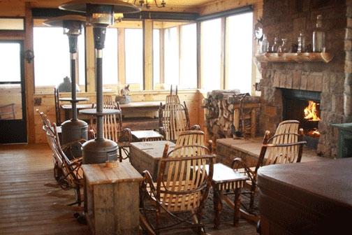 Sunset Lodge Lounge
